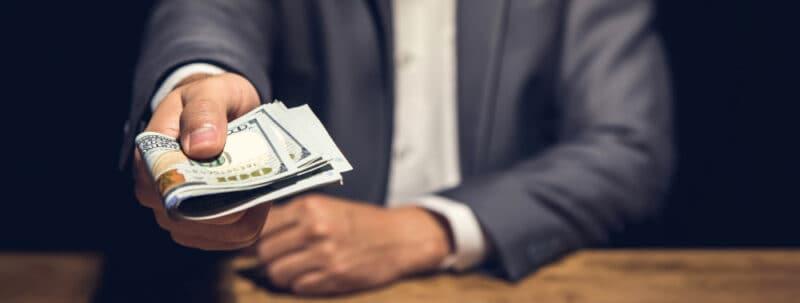consejos para disfrutar con una escort - garantiza el pago correcto