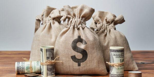 Dominación financiera - Siente placer dándole dinero a los demás